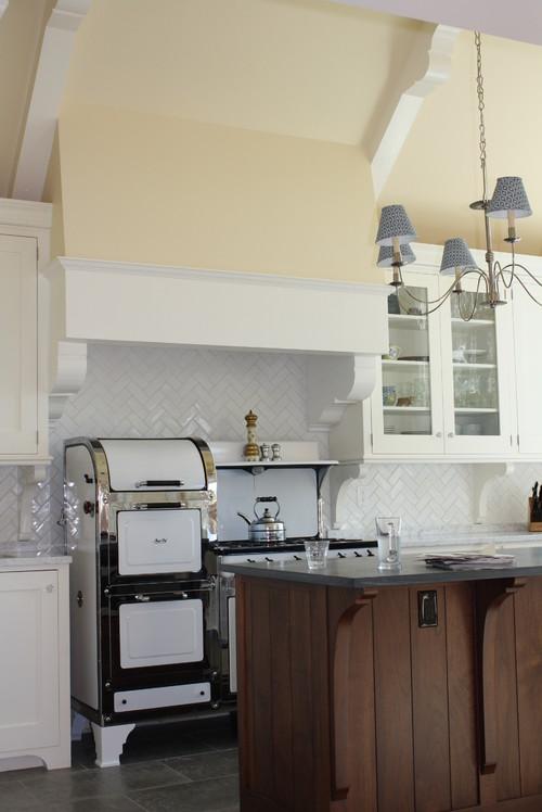 wednesday 5 white kitchens with herringbone pattern backsplash