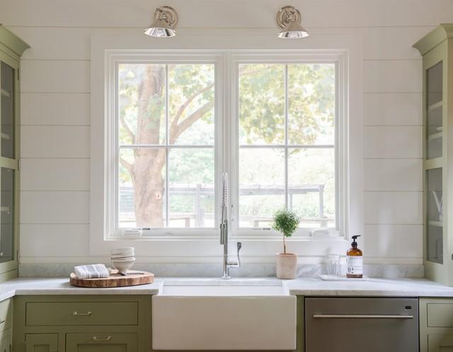 Kelly Co. Easton Connecticut - Farmhouse - Kitchen - new york - by La Pietra Tile & Stone