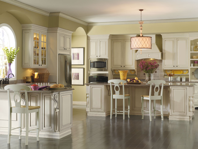 Kemper Kingston Kitchen Cabinets Traditional Kitchen
