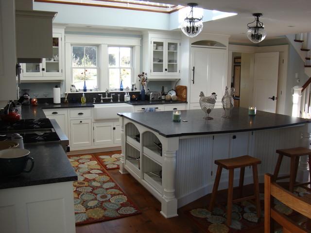 Kennebunk Kitchen traditional-kitchen