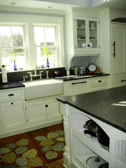 Kennebunk kitchen traditional kitchen portland maine by robin amorello ckd caps - Kitchen design portland maine ...
