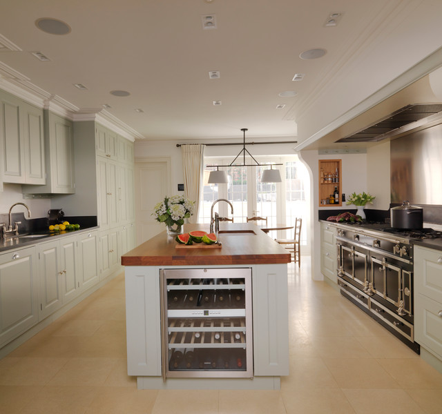 Kensington kitchen traditional kitchen london by for Kitchen 482 kensington