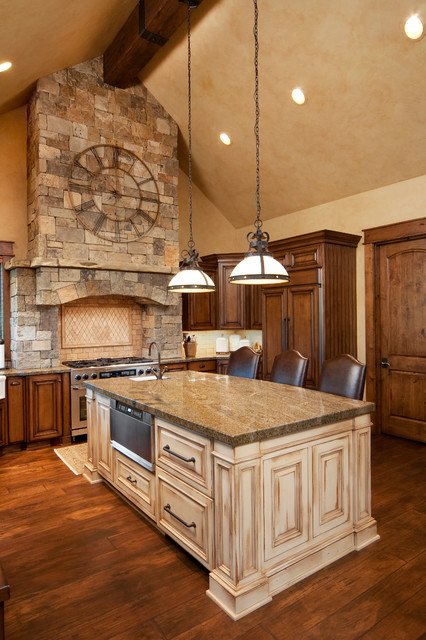 Keystone Ranch Home  Brasada Style Homes rustic kitchen Rustic Kitchen