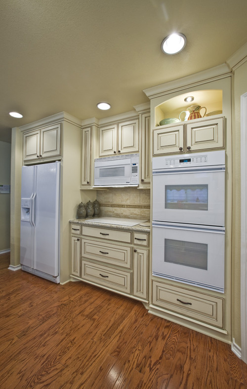 what color cabinets look best with white appliances www