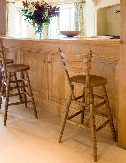 Kitchen and bar stools traditional kitchen london - Traditional kitchen bar stools ...