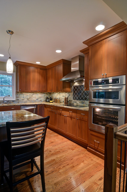 Kitchen & Basement with Loft traditional-kitchen