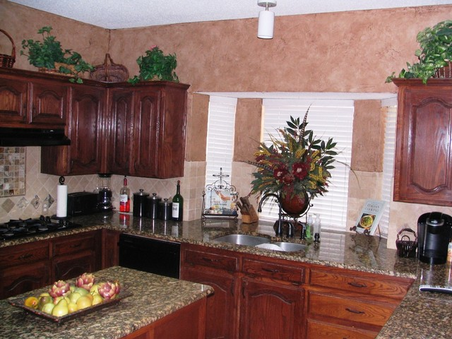 Kitchen and Dining Room Faux Finish traditional-kitchen