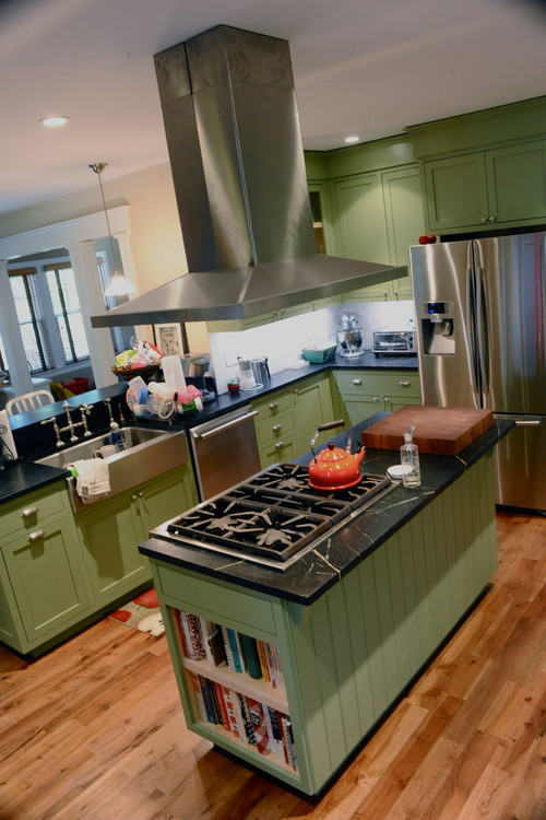 How do you feel about green cabinets and black counters - Dark green kitchen cabinets ...