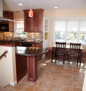 Kitchen and Great Room (Flag Ave, St. Louis Park, MN) - Traditional