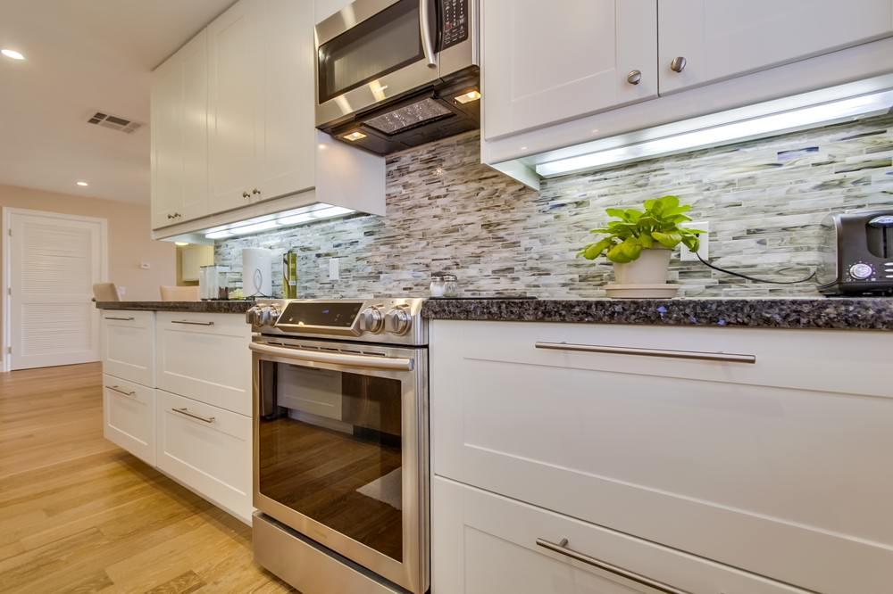 Kitchen backslash, cabinets and counter tops