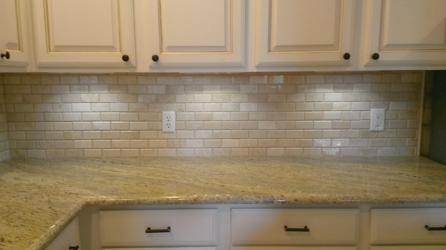 Example Of A Mid Sized Clic L Shaped Open Concept Kitchen Design In Austin