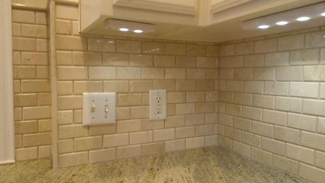 "Traditional Kitchen Backsplash kitchen - backsplash - 2"" x 4"" crema marfil beveled subway tile"