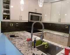 Kitchen Backsplash - Burnaby contemporary-kitchen