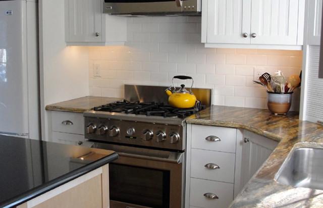 Kitchen Backsplash traditional-kitchen