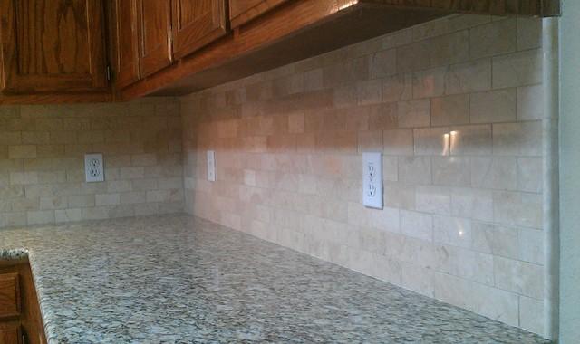 Kitchen Backsplash   Marble Subway Tile / Liner Tile Traditional Kitchen