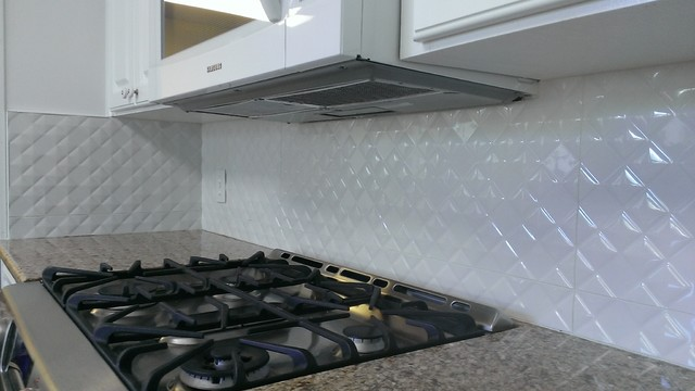 Traditional Kitchen Tile Backsplash