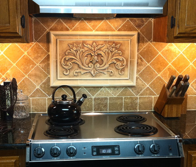 Kitchen Backsplash Using Floral Tile And Plain Frame Liners