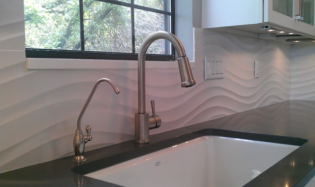 This Is An Example Of A Contemporary Kitchen In Austin