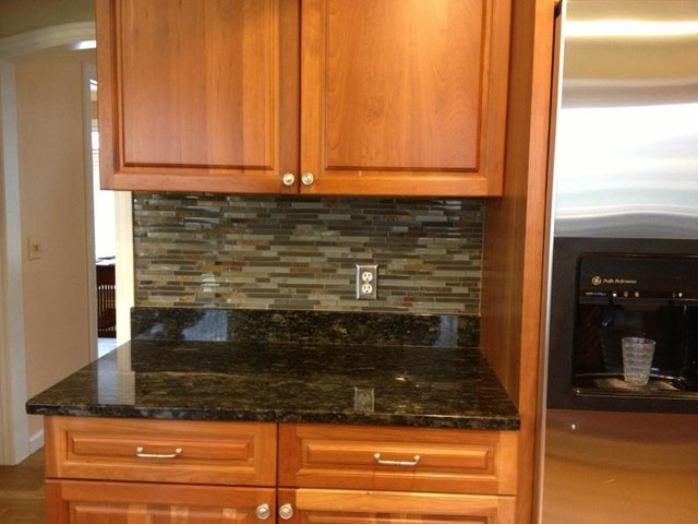 Kitchen BacksplashGlass Tile and Slate mix Kitchen Backsplash  traditional-kitchen - Kitchen BacksplashGlass Tile And Slate Mix Kitchen Backsplash