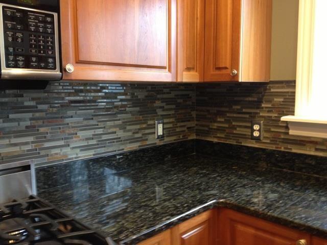 Kitchen BacksplashGlass Tile and Slate mix Kitchen ...