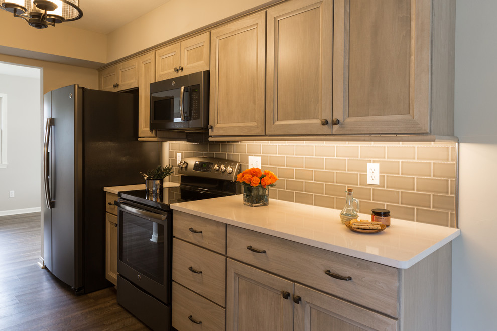 Kitchen Before and After Remodel: From Obsolete to Chic ...