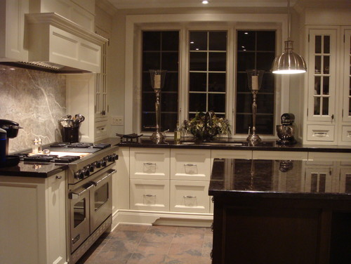cream cabinets and is the island black or chocolate and the bench top