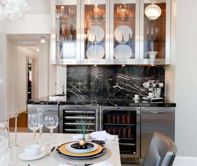 Kitchen/Breakfast Room: Robert Schwartz and Karen Williams for St Charles contemporary-kitchen