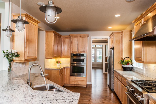 Kitchen Cabinetry and Granite Counter tops traditional-kitchen