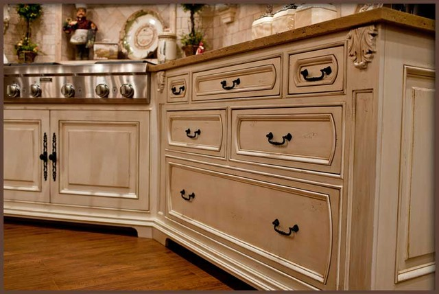 Kitchen Cabinetry & Storage traditional-kitchen