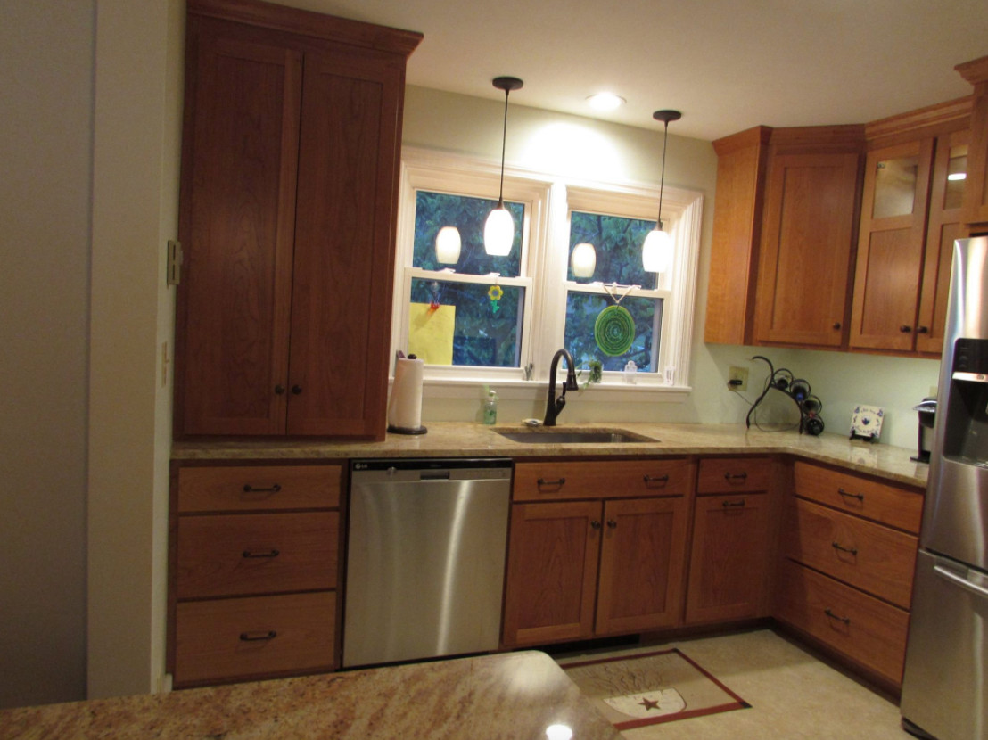 Kitchen Cabinets & Cabinetry