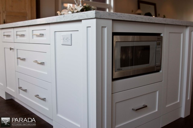 Delicieux Kitchen Cabinets Painted Shaker Style   Traditional ...