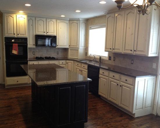 Kitchen Backsplash Kitchen Pantry Design Ideas, Remodels & Photos with ...