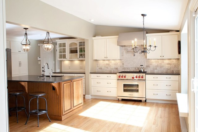 Kitchen Cedar Hill Rd Simsbury Ct Traditional Kitchen New York By D E Jacobs