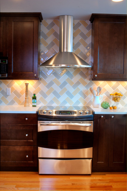 Kitchen: classic design with a unique herringbone backsplash ...