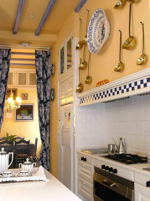 Kitchen Traditional Kitchen Other By COLECCION ALEXANDRA - Bistro kitchen decor how to design a bistro kitchen