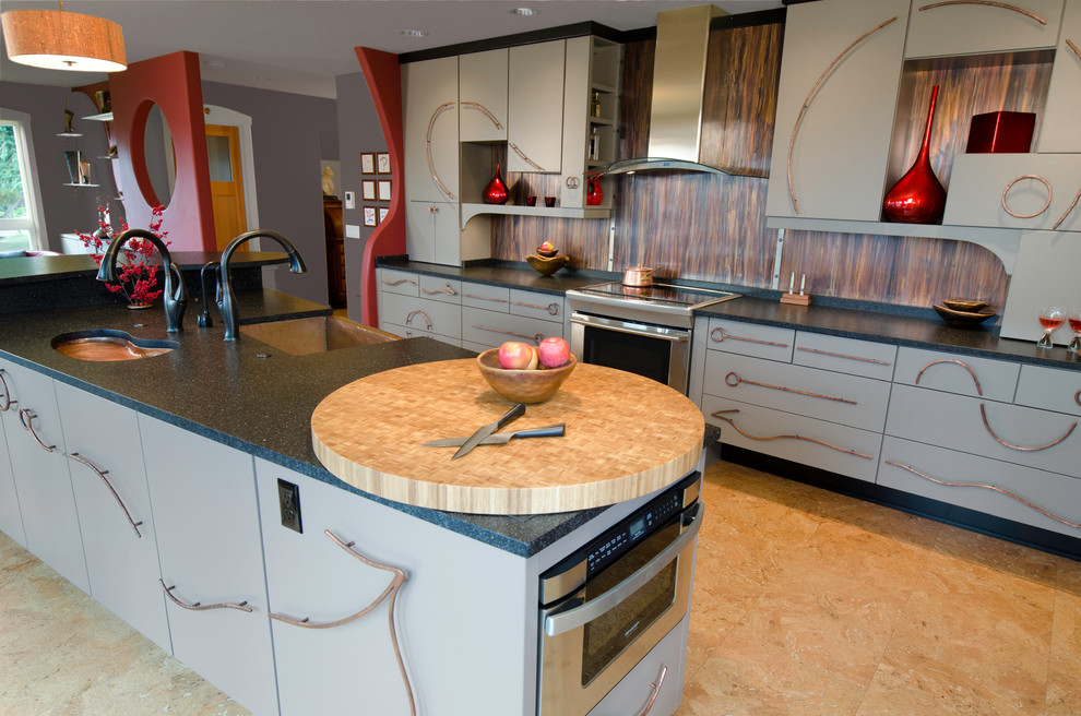 Example of an eclectic kitchen design