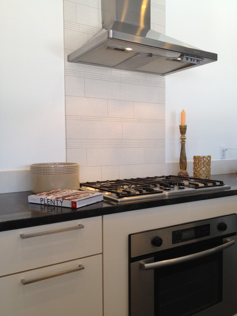 Kitchen Cooktop Stove And Backsplash Modern