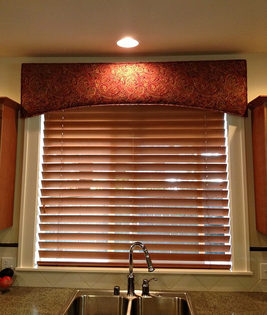 Kitchen cornice - Contemporary - seattle - by HollyJacobsDesigns