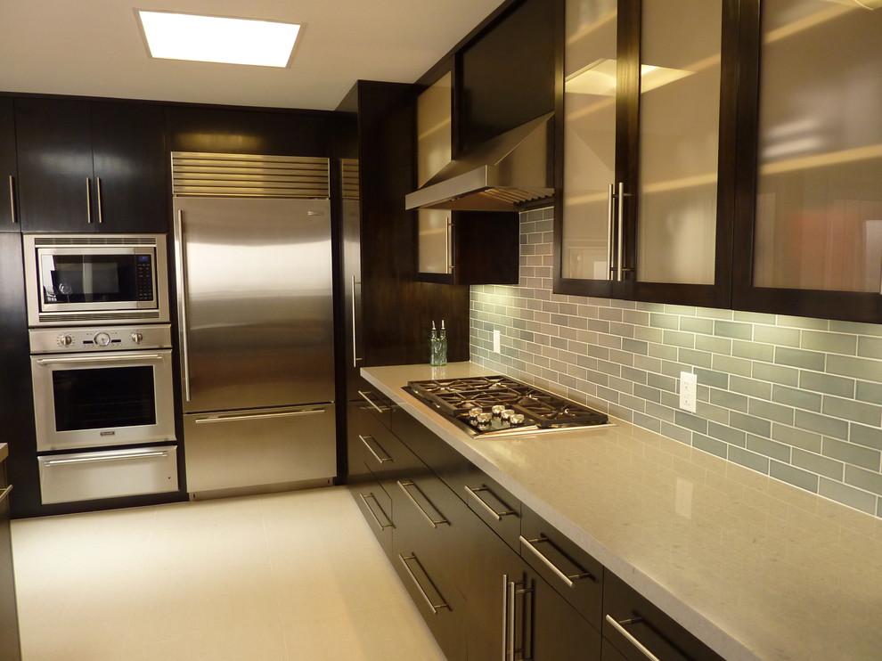 Minimalist kitchen photo in San Francisco