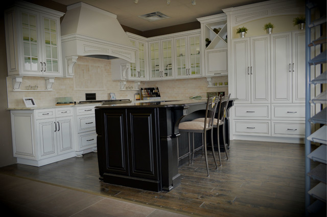 Kitchen Craft Edmonton West Show Room Traditional Kitchen Edmonton By Juliana Andrade