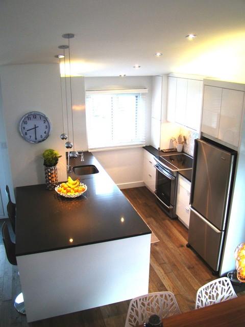 Kitchen/Cuisine Boucherville modern-kitchen