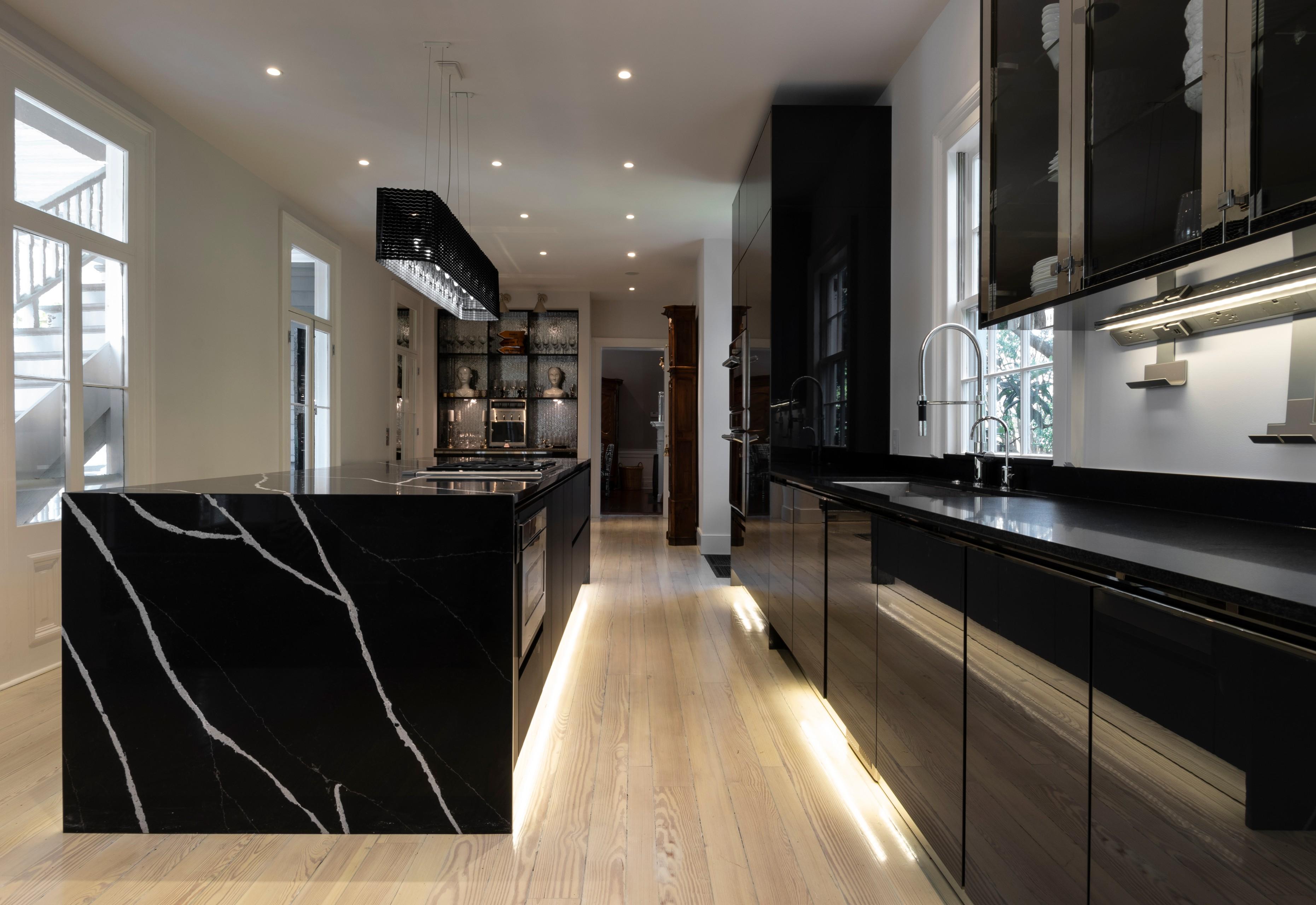 Kitchen Design - Luxury Contract