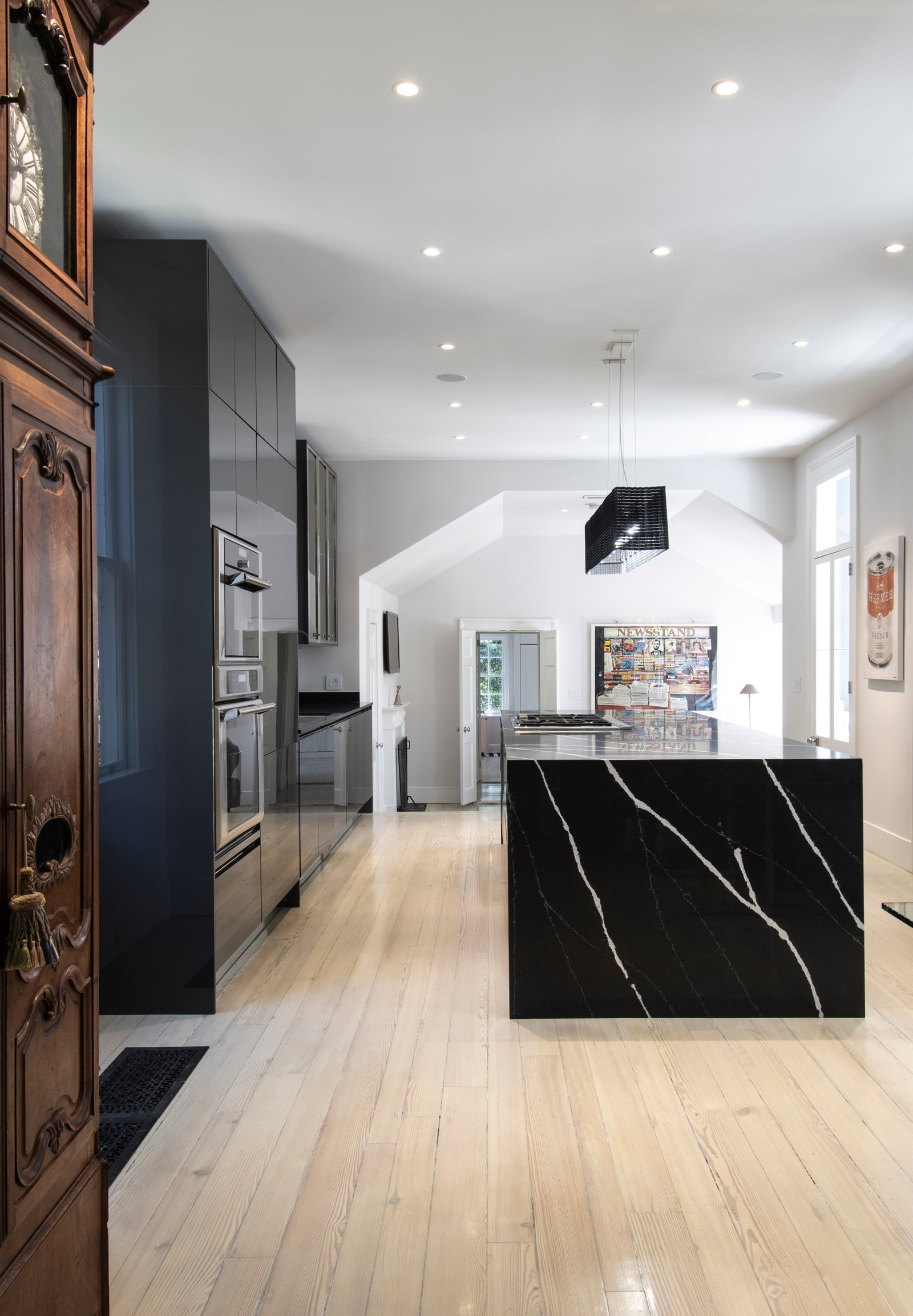 Kitchen Design - Luxury Contract