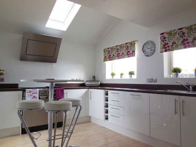 Kitchen extension littlehampton traditional kitchen for Traditional kitchen extensions