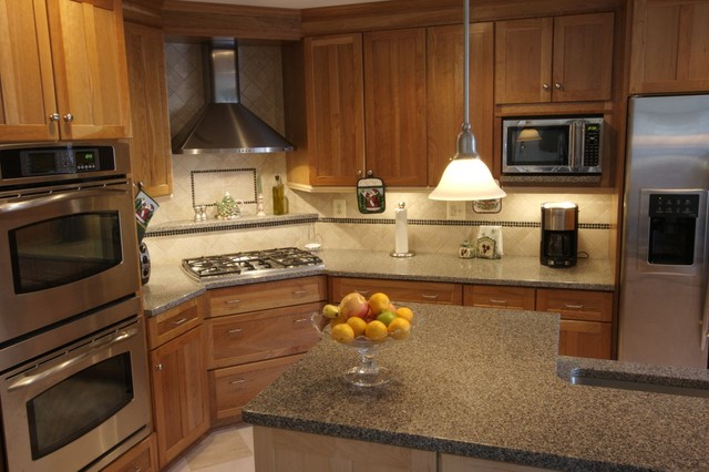 Ordinaire Example Of A Classic Kitchen Design In Baltimore