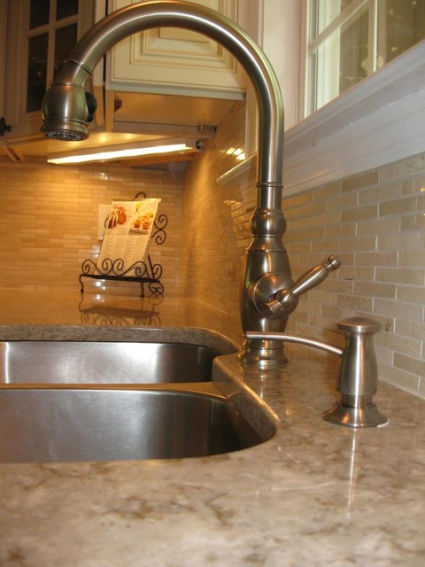 Kitchen Faucet traditional-kitchen