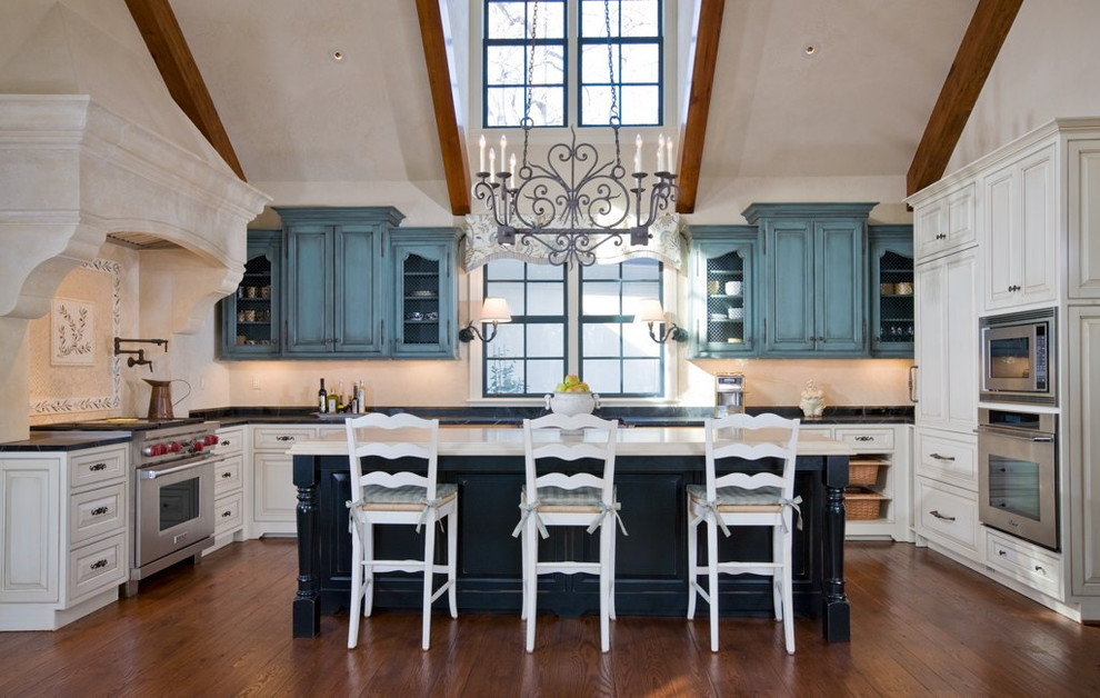 Kitchen - traditional kitchen idea in DC Metro with paneled appliances