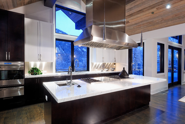 contemporary kitchen by Forum Phi