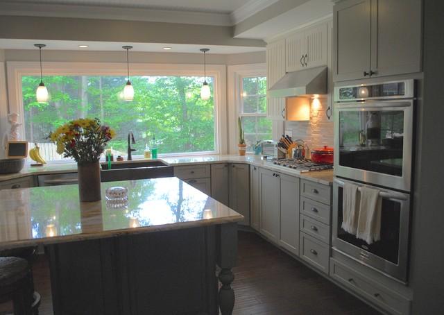 Kitchen Full of Color! farmhouse-kitchen