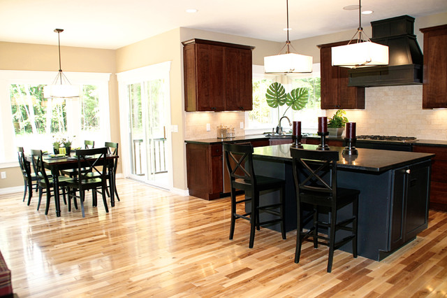 Example Of A Trendy Eat In Kitchen Design In Detroit With Shaker Cabinets,  Dark